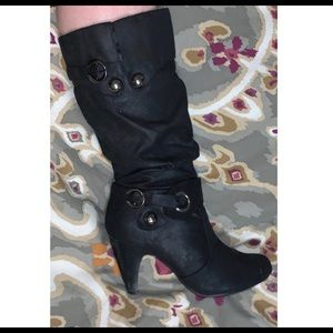 Suede heeled boots, black
